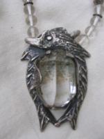 ketting van bergkristal met dolfijnen, zilver met bergkristal1409.JPG